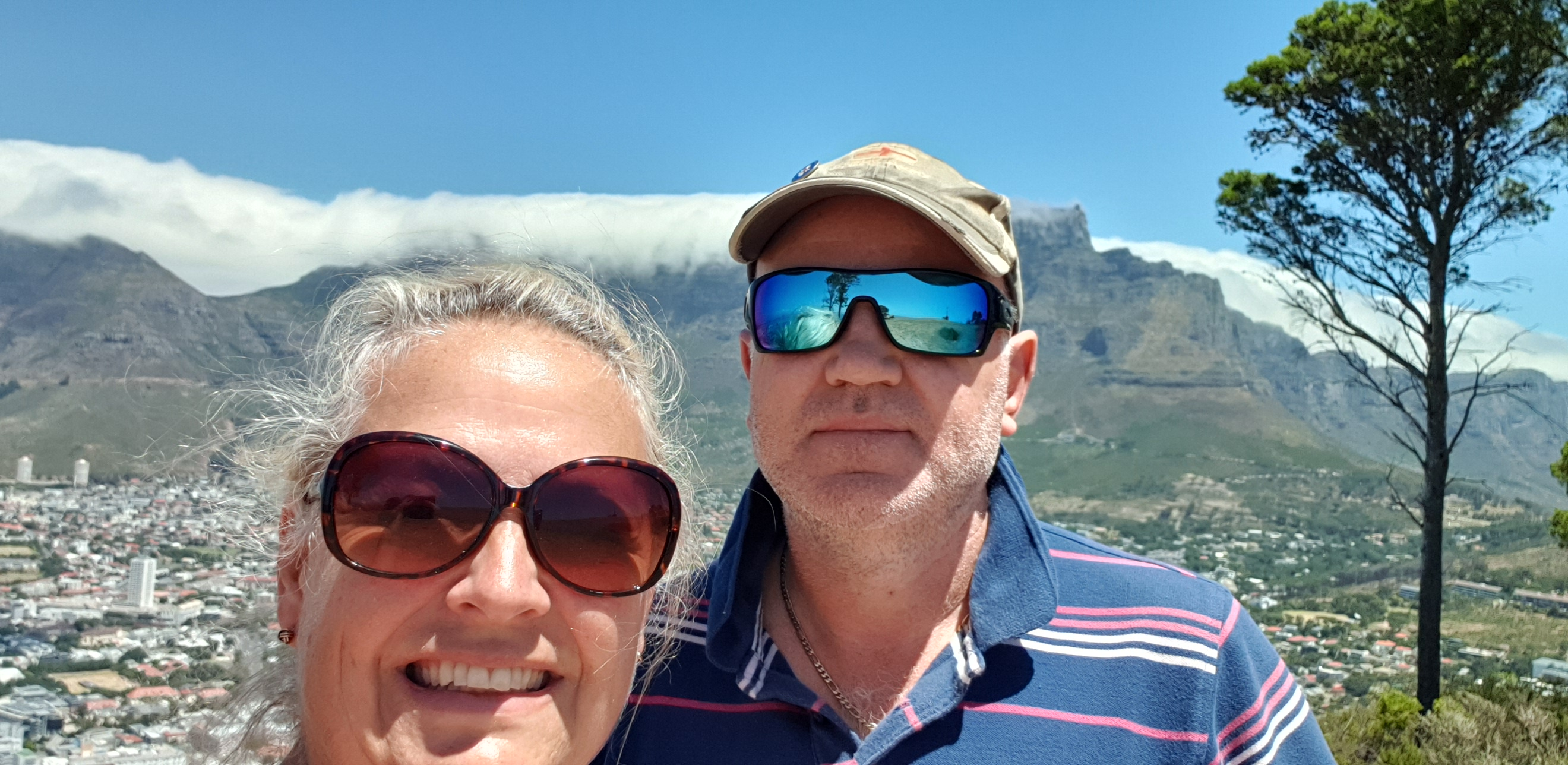 Hubby & I in front of Table Mountain complete with its cloud table cloth!